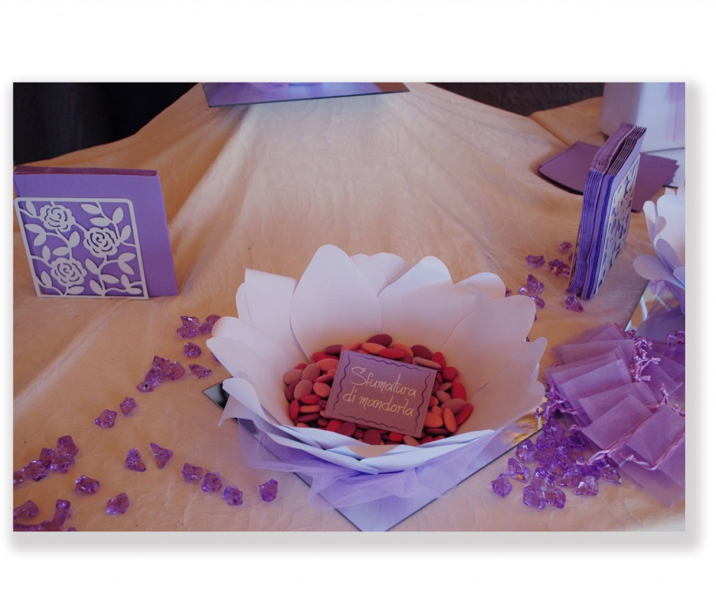 Dettaglio piatto portaconfetti realizzato in carta