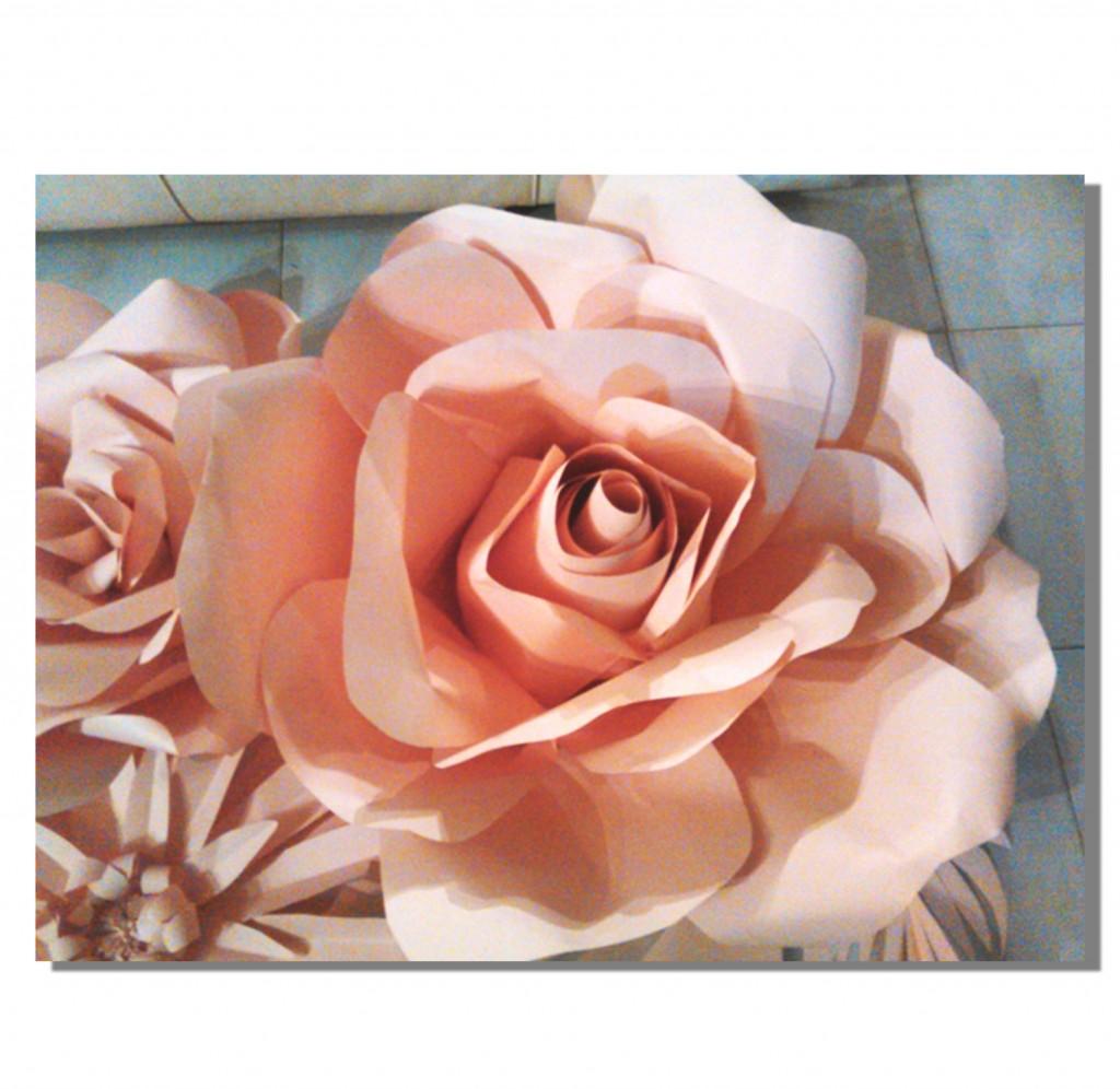 Rosa di carta (diametro 1,2 m. ca)